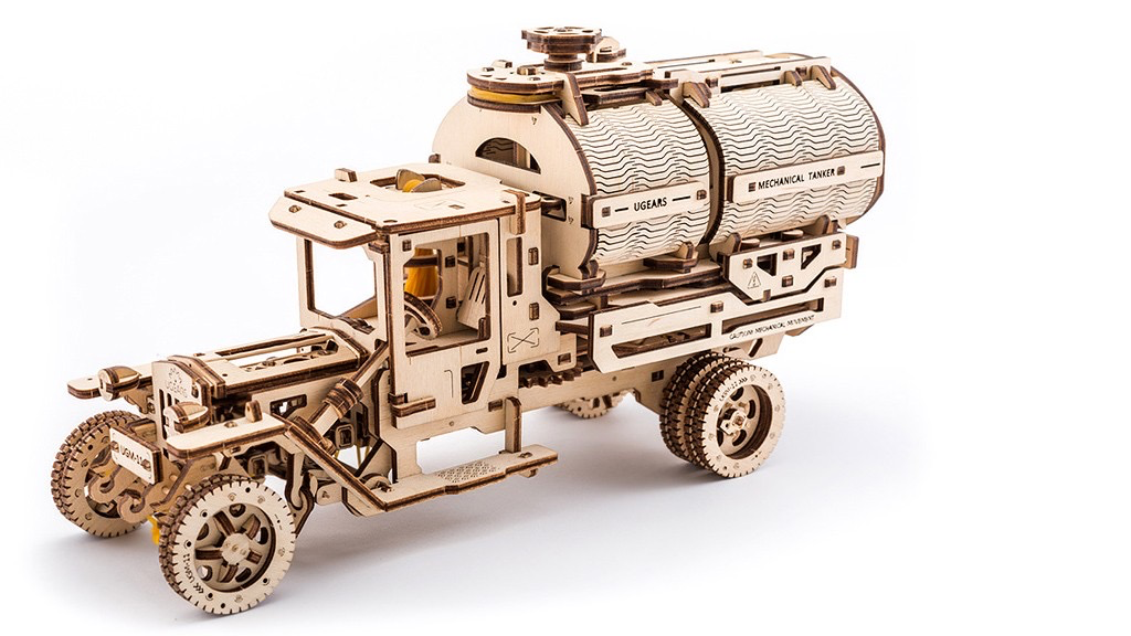 Australia UGears Truck with Tanker