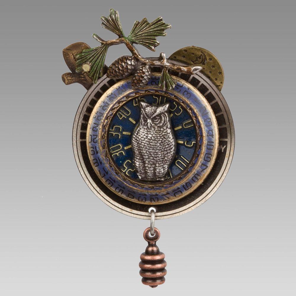 USA Owl in Date Wheel Pin