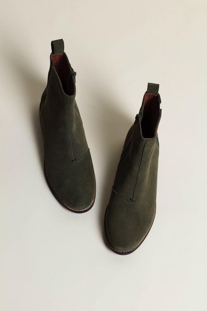 Australia 39 Olive Chelsea Boots