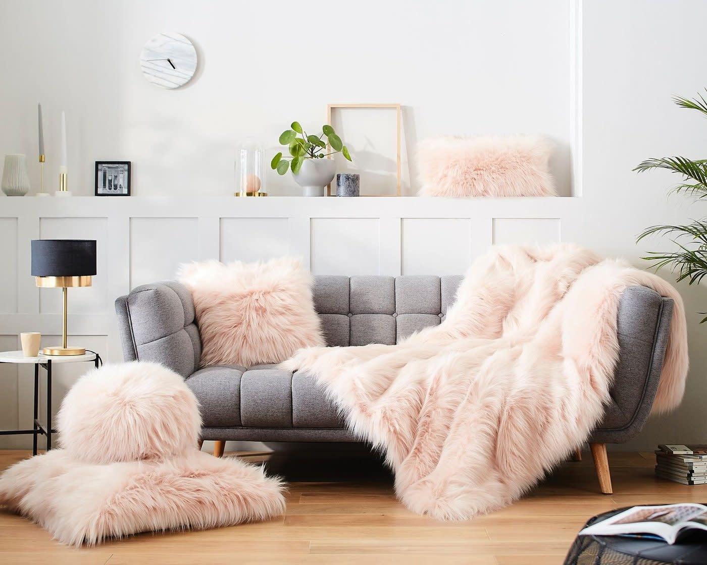 Throw-Faux Fur