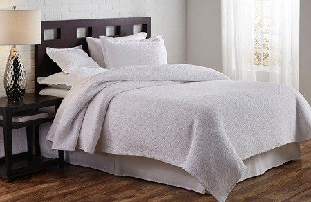 Traditions Coverlet Flynn Matelasse
