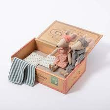Maileg Mum & Dad mice in Cigarbox