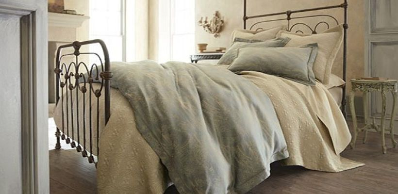 Linen Alley: Building The Perfect Winter Bed In Jackson Hole