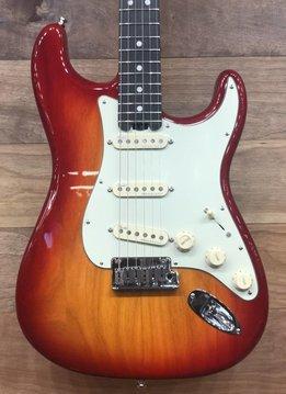 Fender Fender American Elite Stratocaster®, Ebony Fingerboard, Aged Cherry Burst (Ash)