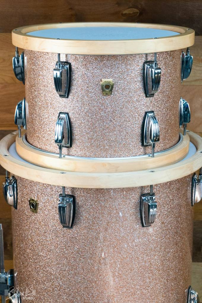 "Ludwig Ludwig Classic Maple 3 Piece 22"" Shell Pack, Champagne Sparkle - Mint"
