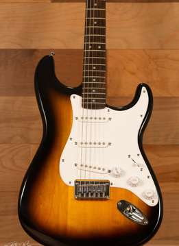 Squier Squier Bullet Stratocaster® Hard Tail, Rosewood Fingerboard, Brown Sunburst