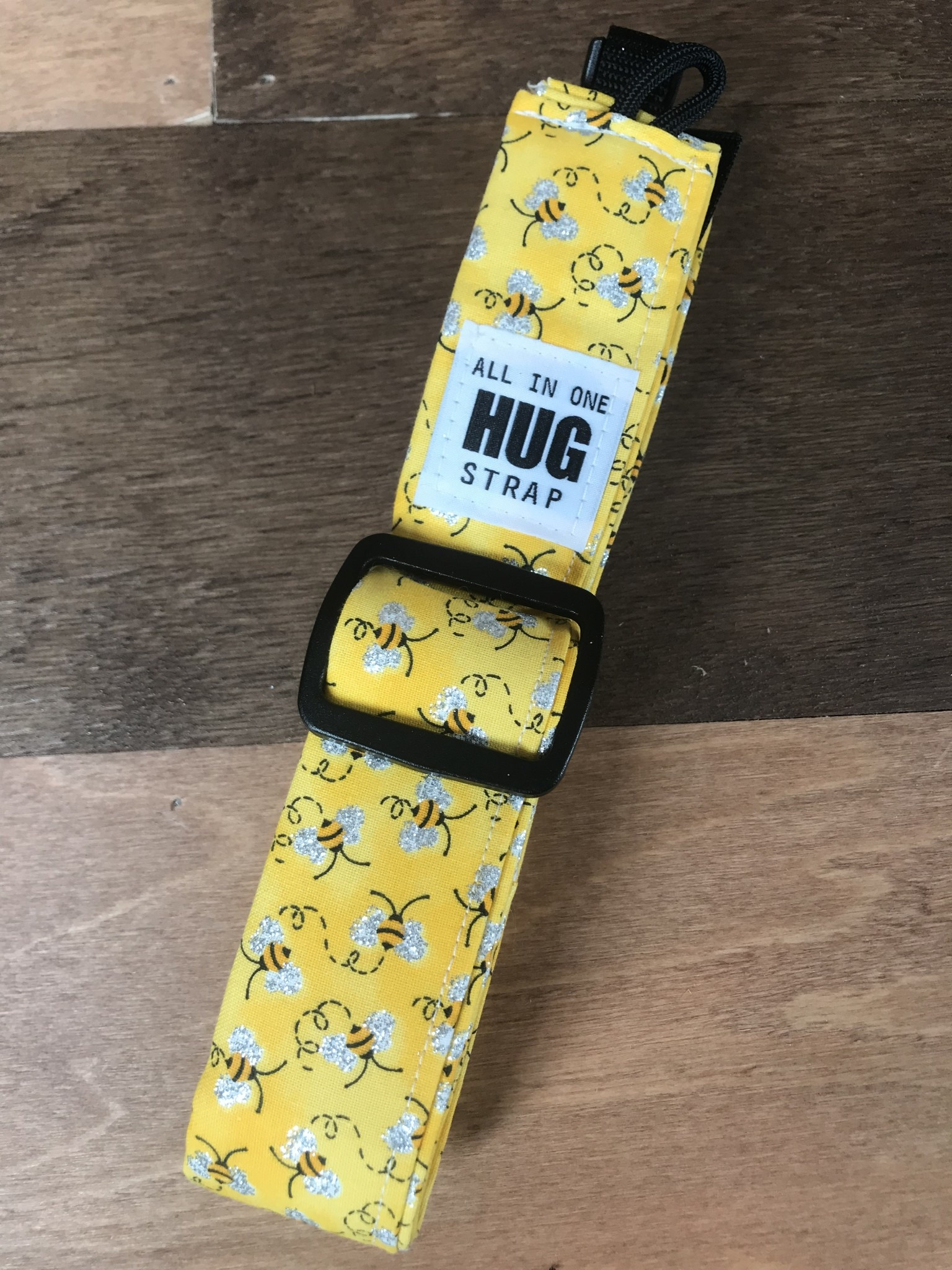 The Hug Strap All in One Hug Strap - Bees