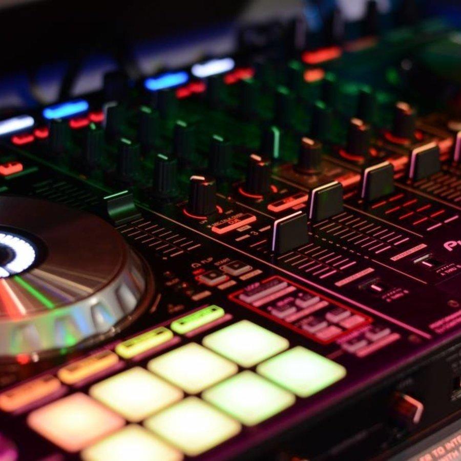DJ Controllers & Essentials