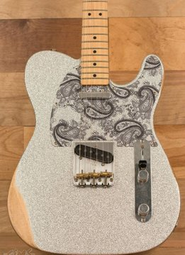 Fender Fender Brad Paisley Road Worn Telecaster®, Maple Fingerboard, Silver Sparkle - Mint