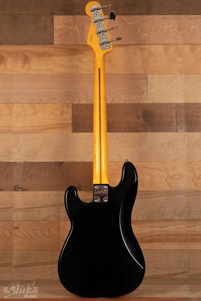 Fender Fender Classic Series '50s Precision Bass® Lacquer, Maple Fingerboard, Black - Mint
