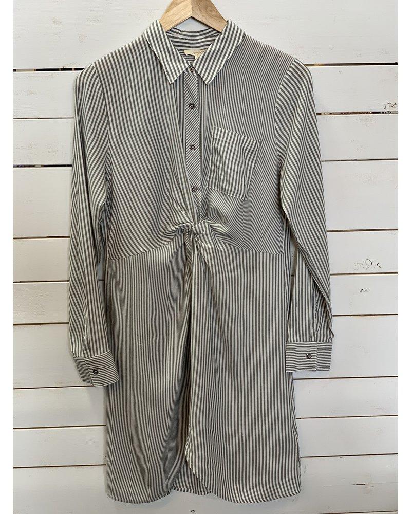 Mystree Mystree Twist Front Shirt Dress