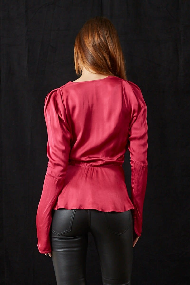 Avery Top Cranberry