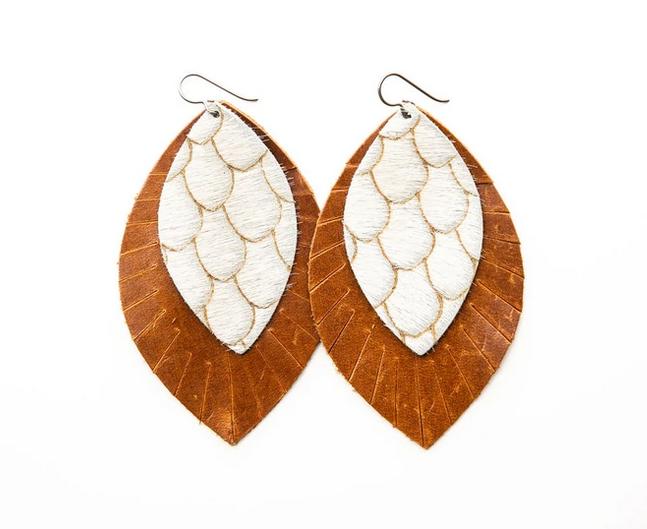 "Keva Style Leather Earring Taupe Cream 4"""