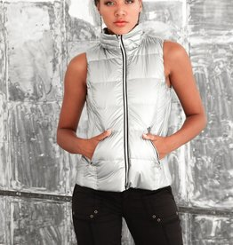 Short Nylon Down Vest Silver