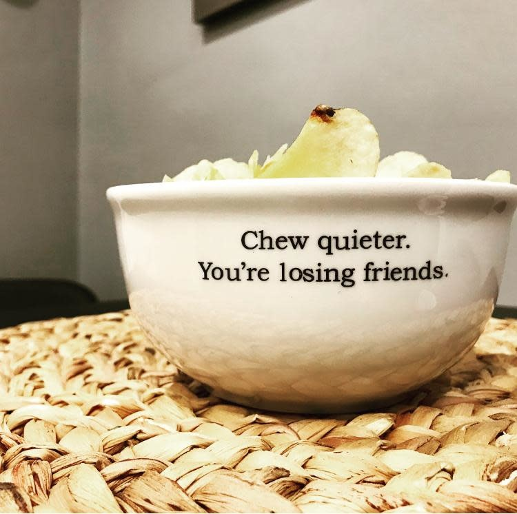 Buffalovely Chew Quieter Snack Bowl