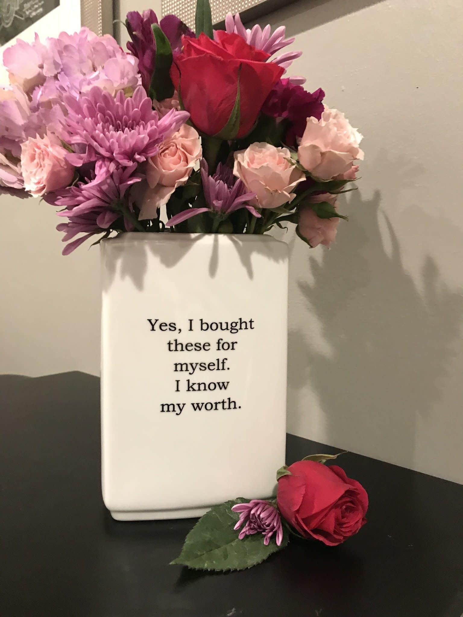 Buffalovely I Know My Worth Porcelain Vase