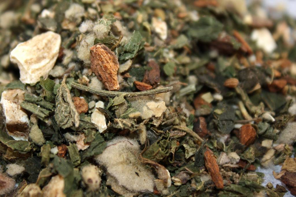 Throat + Lung Organic Herbal Tea Blend