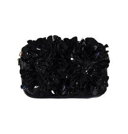 Marni Marni petit sac en cuir noir avec ornements