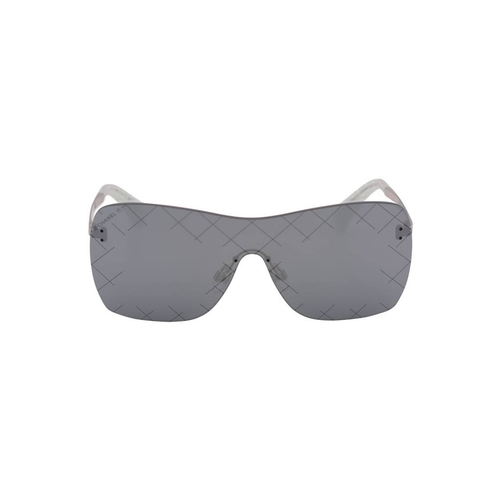 Chanel Chanel lunettes de soleil lentilles miroir et détail matelassé ... 21f3aaaf6f0e