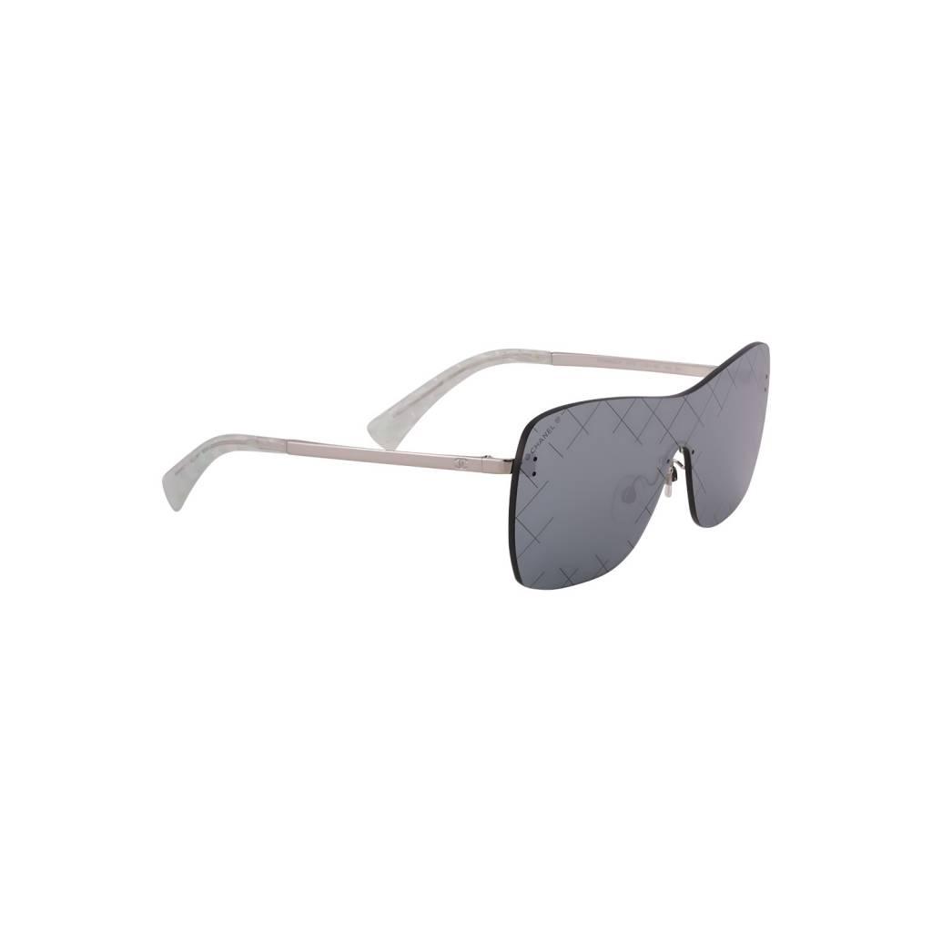 ... Chanel Chanel lunettes de soleil lentilles miroir et détail matelassé 5d7f1f7e1fb8