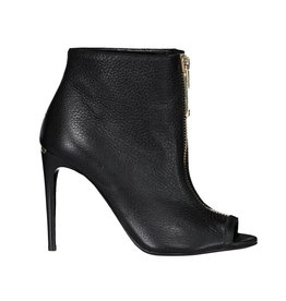 Burberry N/A - Burberry Black Grained Leather Zippered Heeled Booties