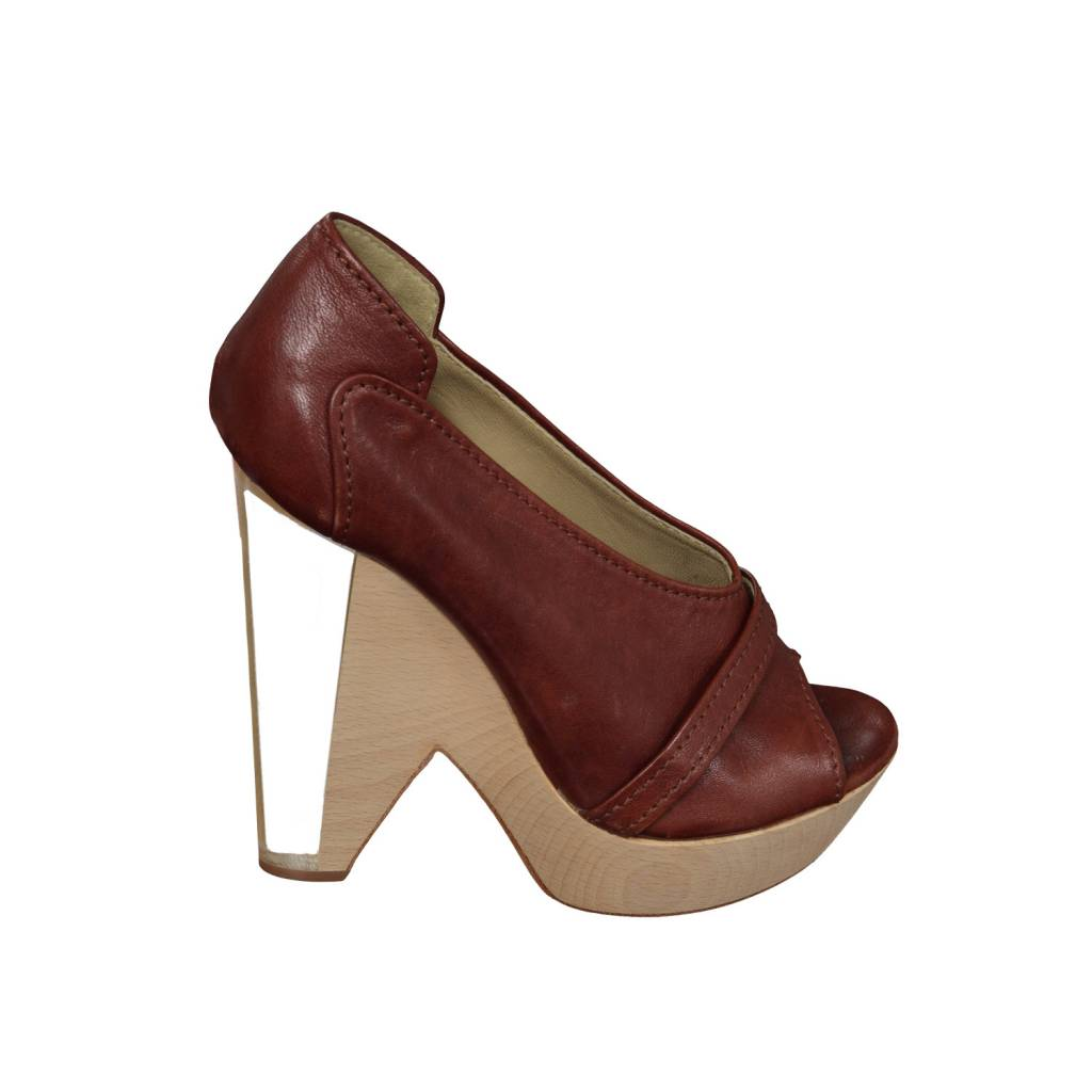 be2479f9e1d5de Chloé Brown Leather Wedge Sandals with Wood and Plexi Heel ...