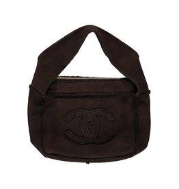 Chanel NON DISPONIBLE - Chanel sac à l'épaule brun chocolat en suède