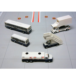 GEM2 Airport Service Vehicles