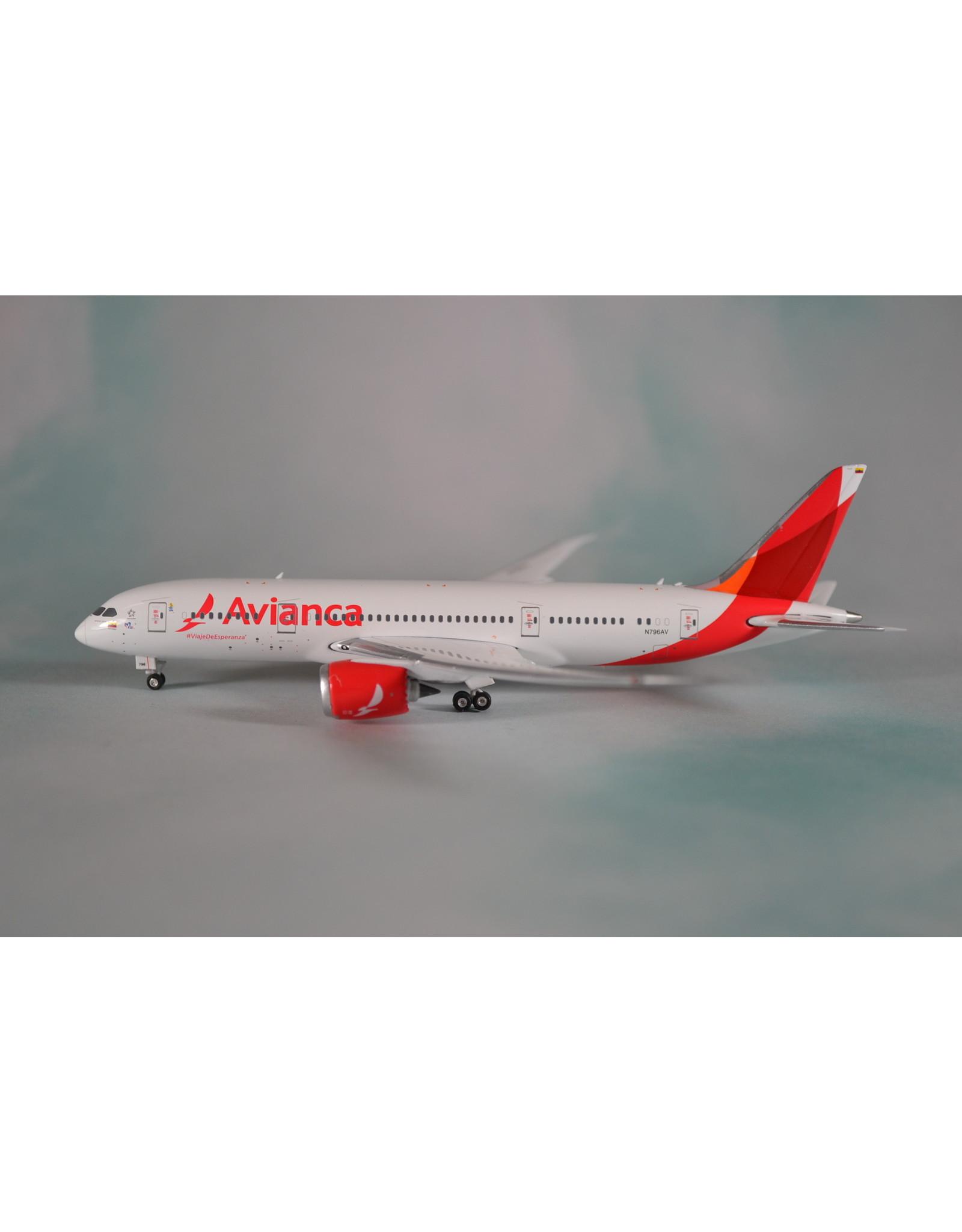 PH4 Avianca 787-8 N796AV