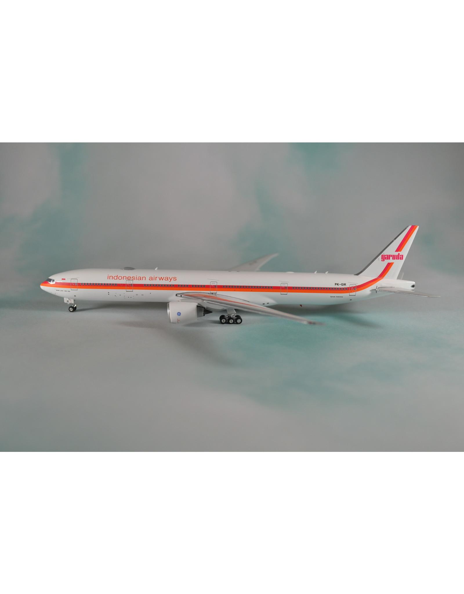 PH4 Garuda 777-300ER retro