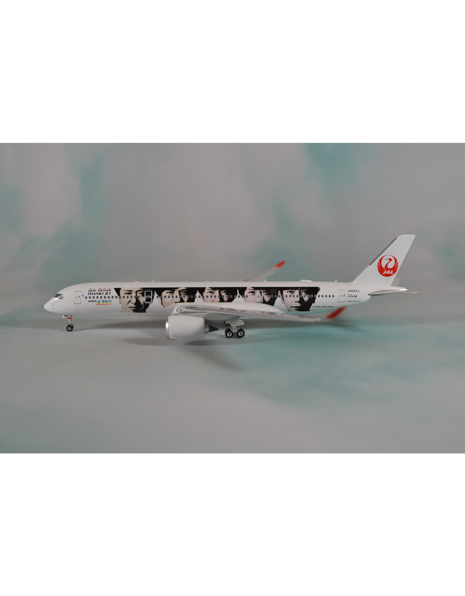Phoenix PH4 JAL A350-900 Arashi Thanks JA04XJ