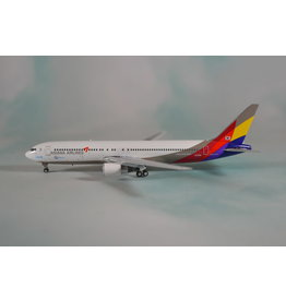 Phoenix PH4 Asiana 767-300ER HL7248