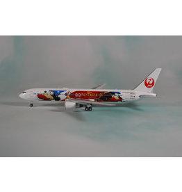 Phoenix PH4 JAL767-300ER JA622J Fantasia 80