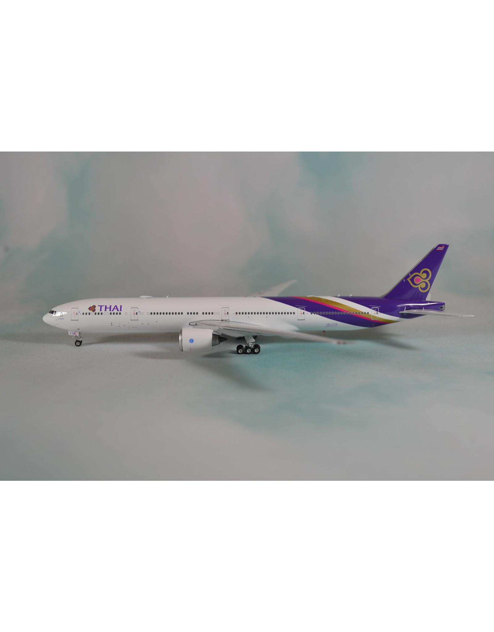 Phoenix PH4 Thai 777-300ER HS-TTA