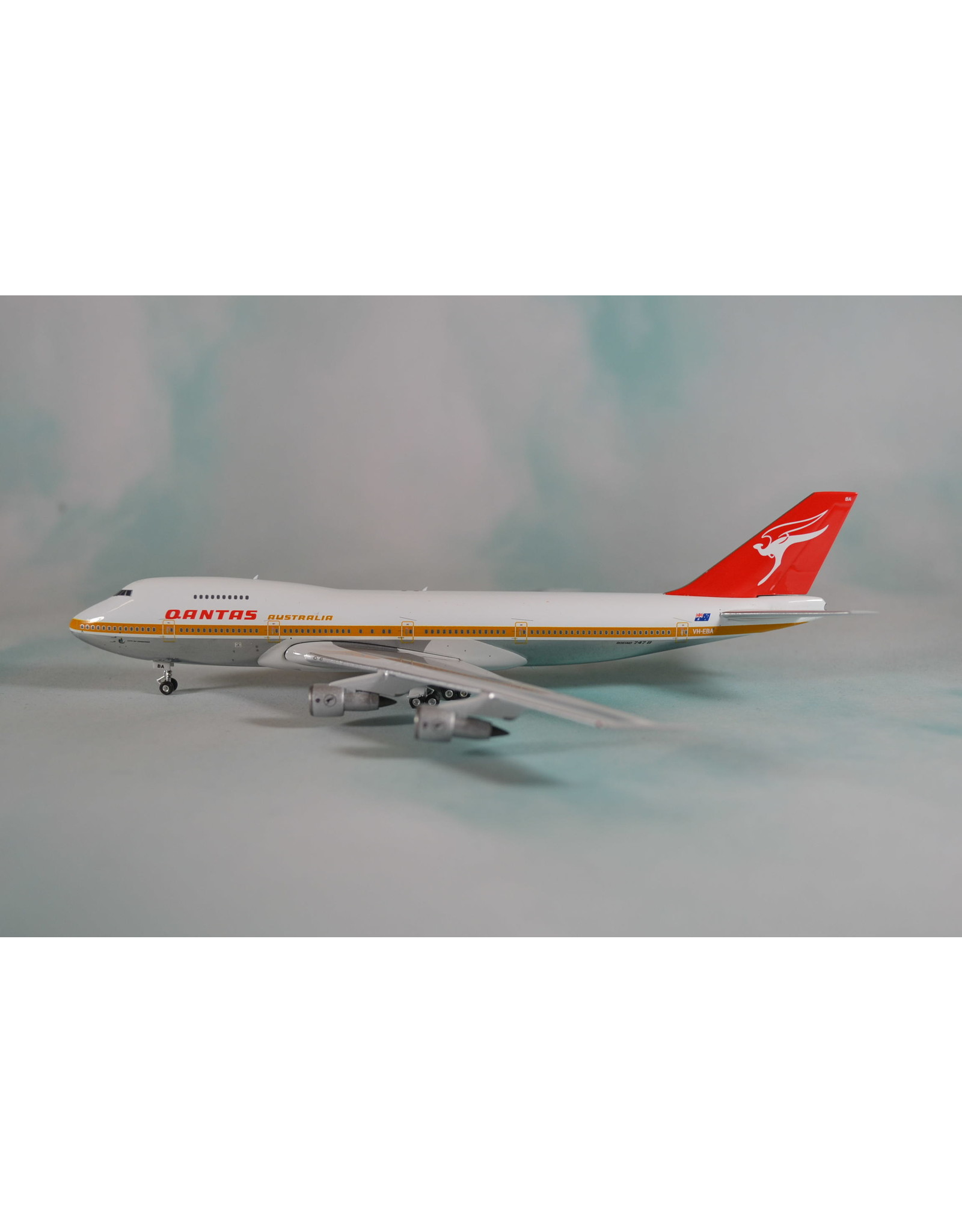 Phoenix PH4 Qantas 747-200 VH-EBA
