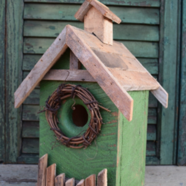 - NATURE CREATIONS RUSTIC WREN HOUSE W/FENCE AND WOOD ROOF SAGE