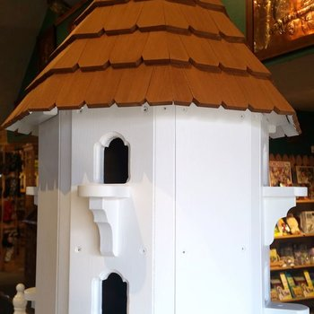 - OLD TIME DAPPER DOVECOTE BIRDHOUSE 8 PORT