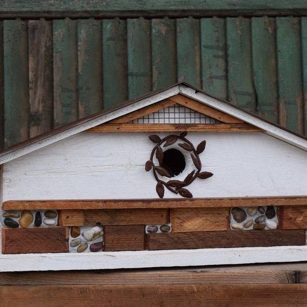- NATURE CREATIONS BARN WOOD  BIRD HOUSE #67 WHITE