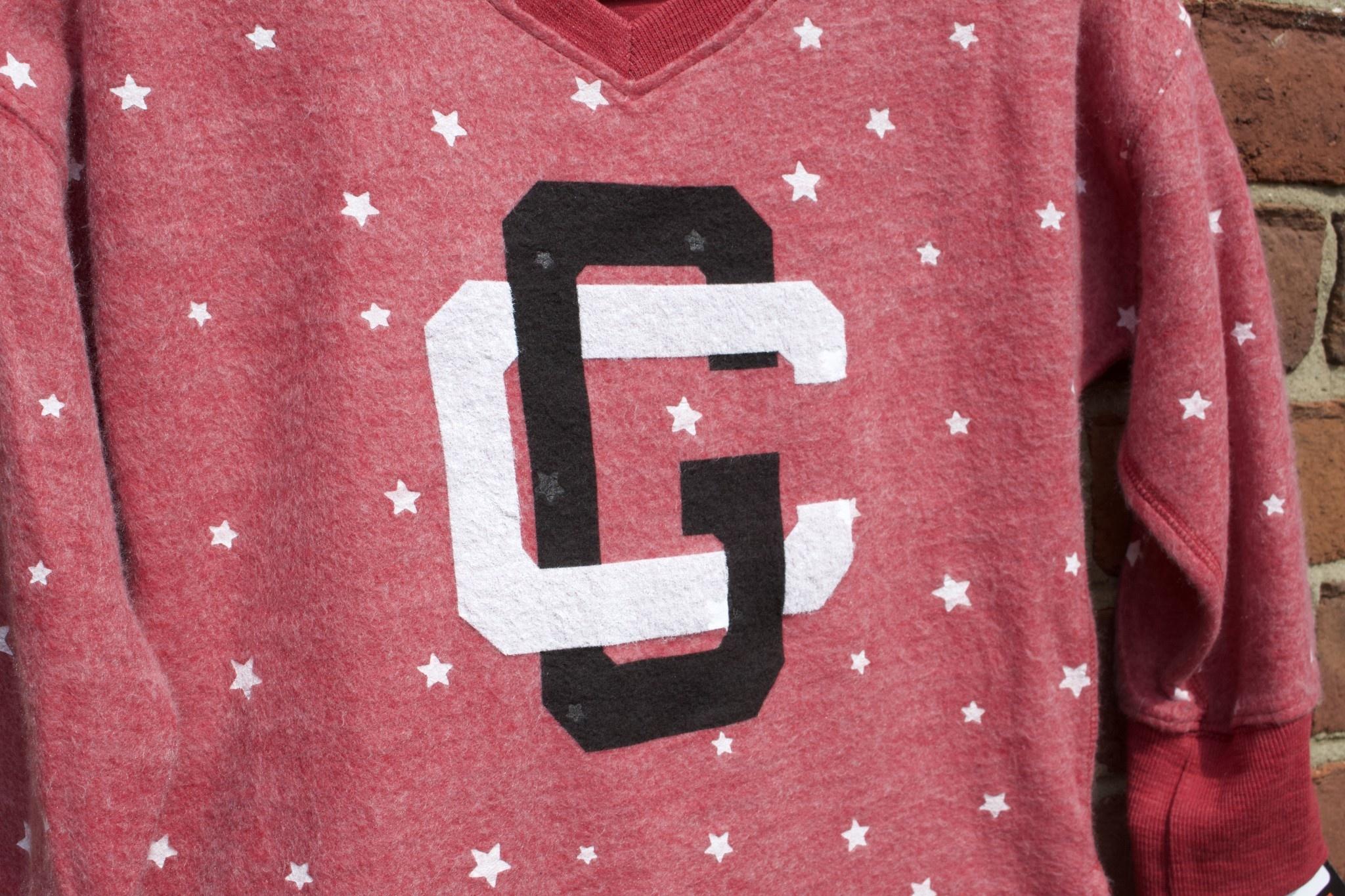 Z   Girls Star Fleece V-Neck