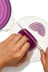 OXO Good Grips Cut & Keep Silicone Onion Saver