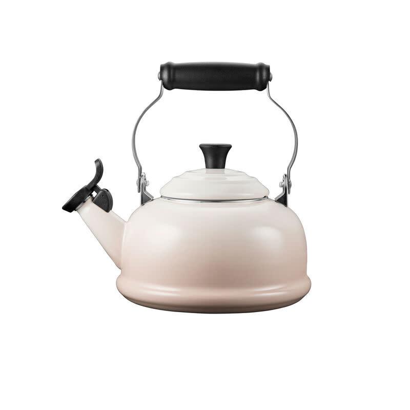 Le Creuset Classic Whistling Kettle 1.6L - Meringue