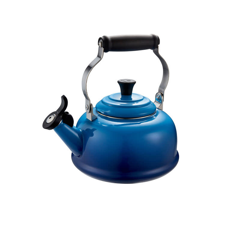 Le Creuset Classic Whistling Kettle 1.6L Blueberry