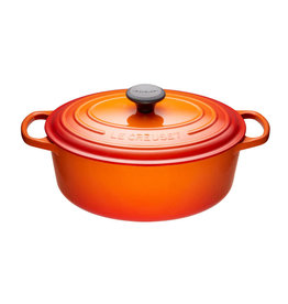 Le Creuset Oval 4.7L  French Oven - Flame