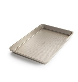 """OXO GG NS Pro 10"""" x 15"""" Baking Pan"""