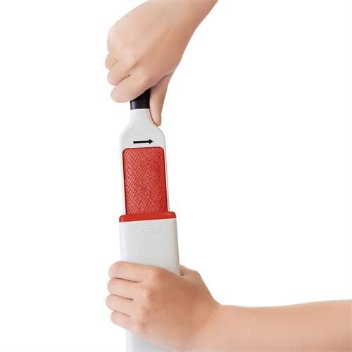 """OXO GG Furlifter  Garment Brush 10.75"""" / 27cm"""
