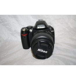 Nikon Nikon D40 camera with 18-55mm  battery, Charger Data cable