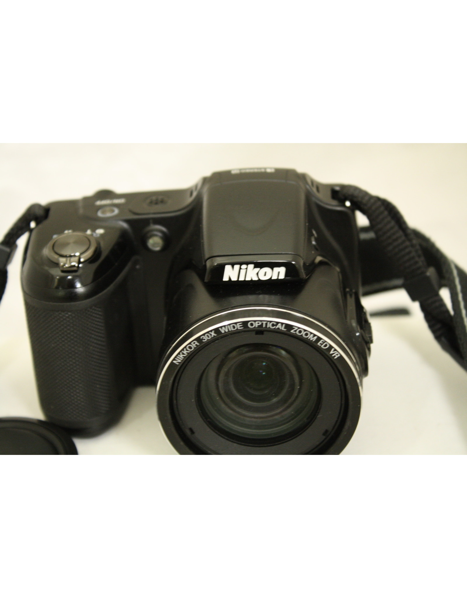 Nikon COOLPIX L820 16 MP CMOS Digital Camera w 30x Zoom Lens & Full HD 1080