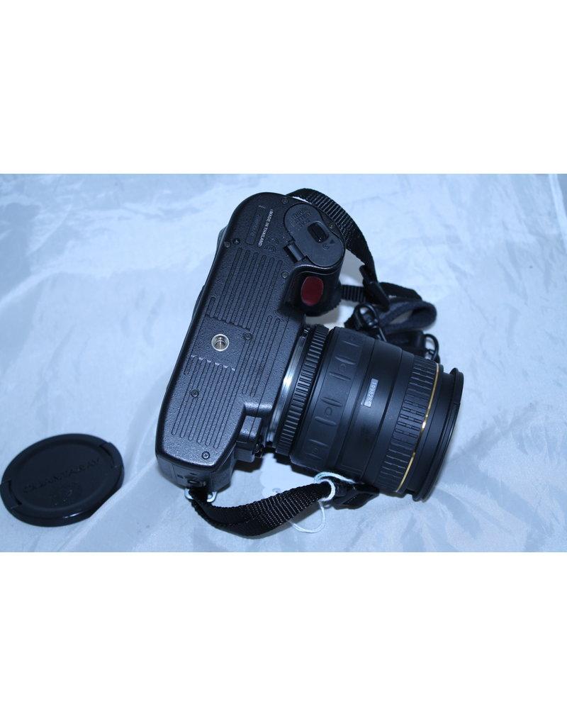 Nikon N80 35mm SLR autofocus film Camera with Quantaray 28-105mm (Pre-owned)