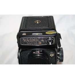 Yashica Mat124G with Case & Hood (MINT!) (Pre-owned)