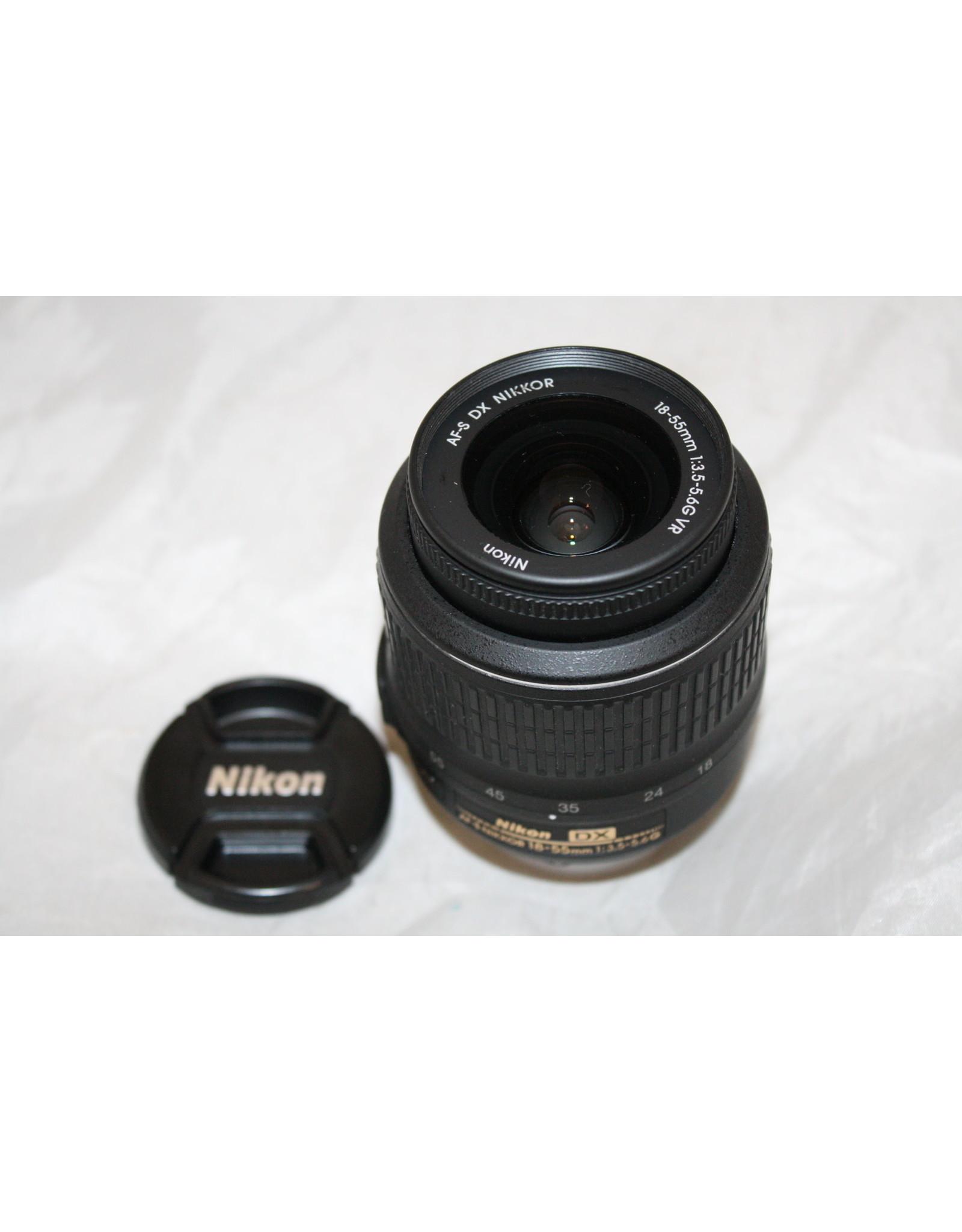 Nikon AF-S DX ZOOM-NIKKOR 18-55MM F/3.5-5.6G VR